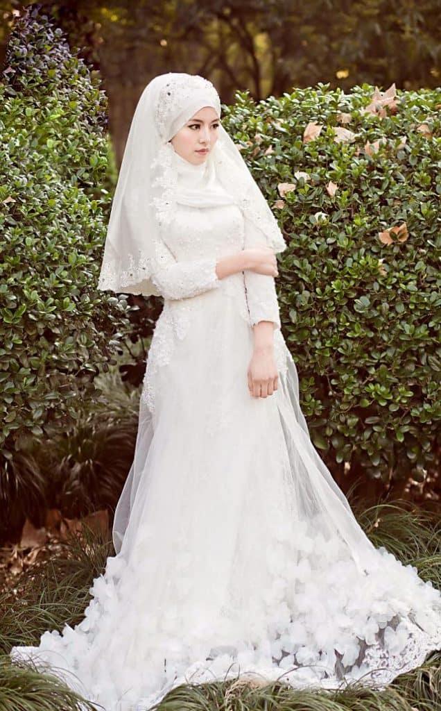 فساتين زفاف محتشمة