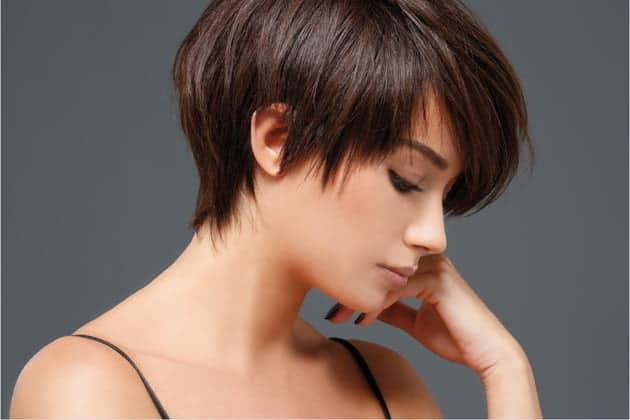 قصات شعر قصير جدا للشعر المجعد