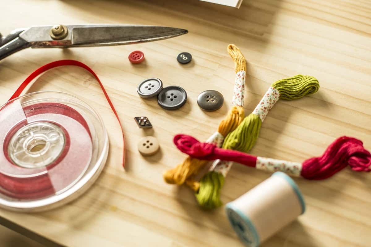 What are sewing tools and their uses
