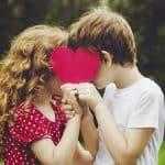 صور على الحب القوي