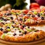 مقادير عجينة البيتزا الهشة منال العالم