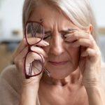تفسير حلم العمى لشخص قريب