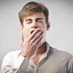 أسباب التثاؤب الكثير وضيق التنفس