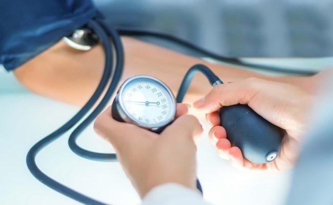 أسباب انخفاض ضغط الدم المستمر